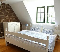 Ferienwohnung Arnoldiblick Schlafzimmer