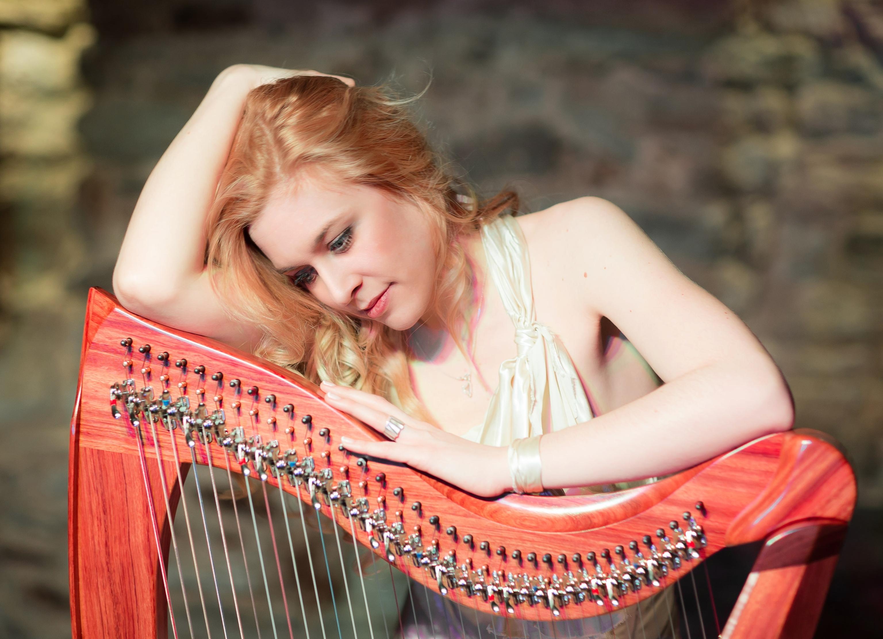 Saja-Christin Harp n Voice(c)Picasa