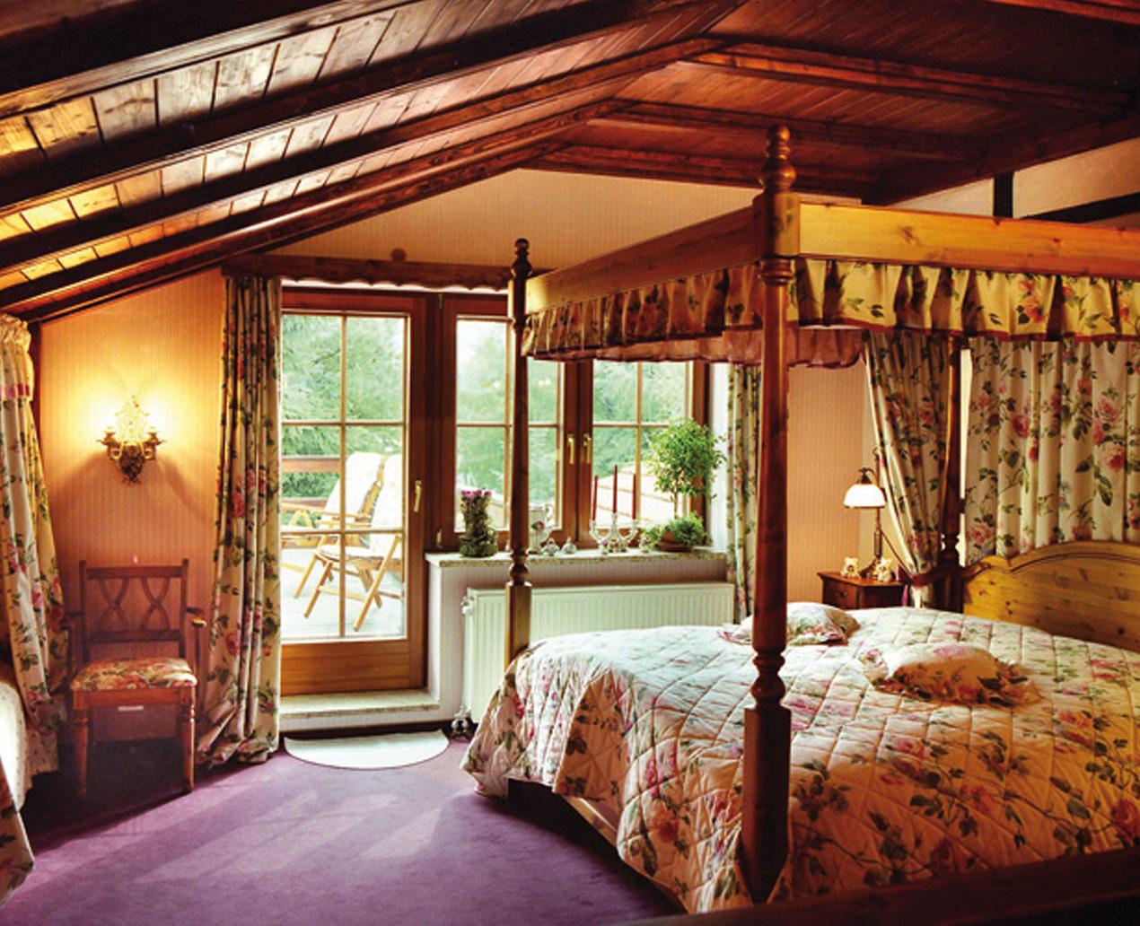 Landhaus & Burg Hotel Romantik ©Gastgeber
